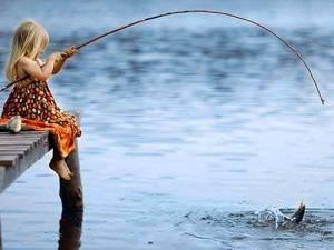 «Ловись, рыбка, большая ималенькая: кДню рыбака»