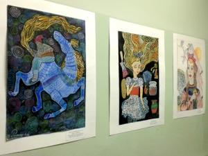 Выставка рисунков учащихся ДШИ№10 «Постраницам любимых книг»