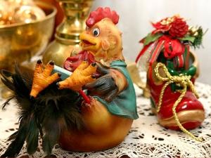 Тематическая выставка «Новогодняя мозаика: рецепты, украшения, костюмы»