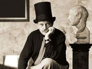 Книжная выставка «В. Аксенов: Существование равняется сопротивлению»